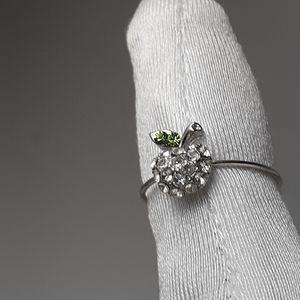 Apple toe ring with rhinestones